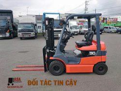 xe nâng điện 3 tấn