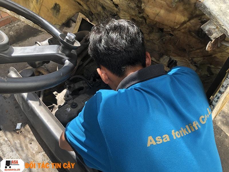 Nhân Viên Kỹ Thuật ASA tân tâm sửa chữa