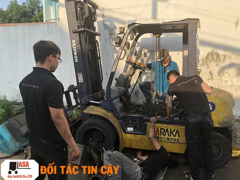 Đội ngũ kỹ thuật viên ưu tú, sửa chữa nhiệt tình.