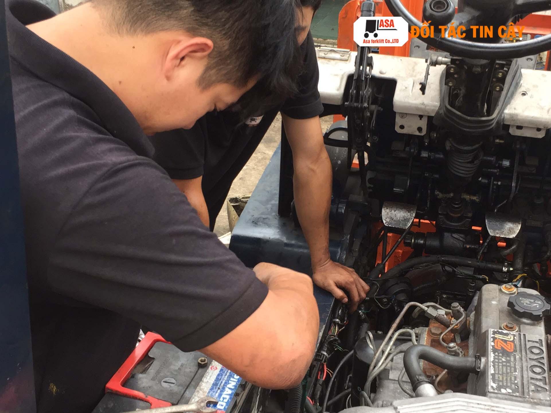 Sửa chữa xe nâng dầu tất cả các hãng với giá rẻ bảo đảm chất lượng