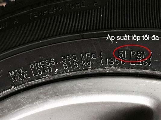 Tìm chỉ số áp suất lốp ở viền trong