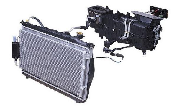 Nhiệm vụ của dàn lạnh ô tô là làm bay hơi môi chất lạnh dạng hơi sương thông qua van tiết lưu ở áp suất và nhiệt độ thấp