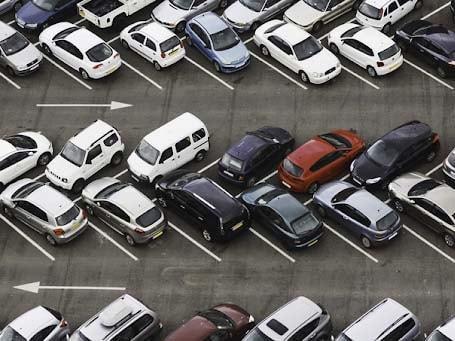 Hình ảnh bãi đỗ xe đấu lưng nhau 45 độ