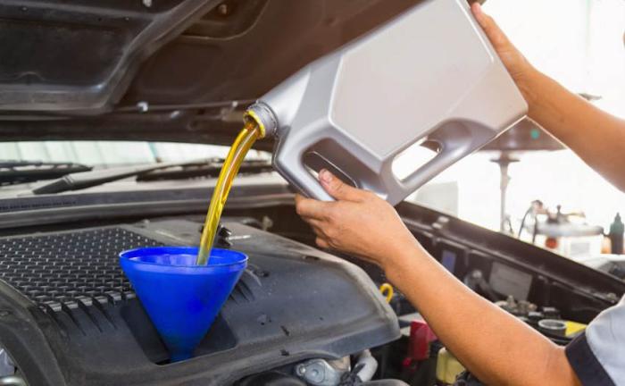 Có thể thay dầu xe ô tô sau 3000 - 10.000 km tùy vào tình trạng