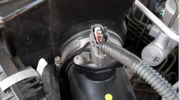 Cảm biến lưu lượng khí thải kiểu dây sấy được áp dụng cho hầu hết các dòng xe ô tô