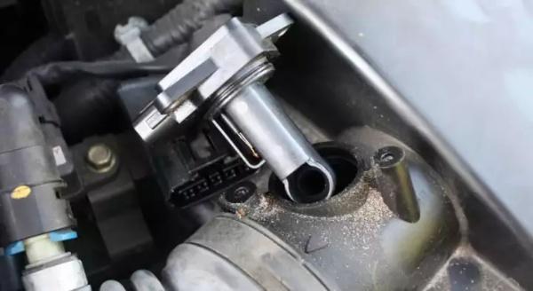 Có rất nhiều cách để kiểm tra và đo kiểm khi sửa chữa cảm biến khối lượng khí nạp