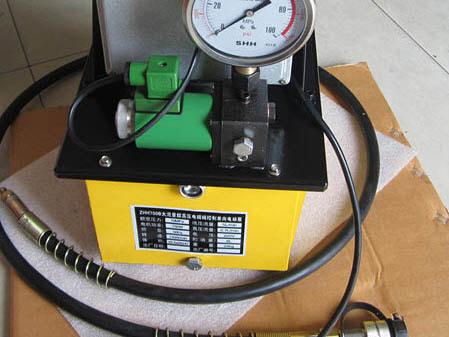 Để thực hiện chỉnh độ nén của lò xo trên van chỉnh áp, bạn dùng tua vít để chỉnh vặn theo chiều kim đồng hồ
