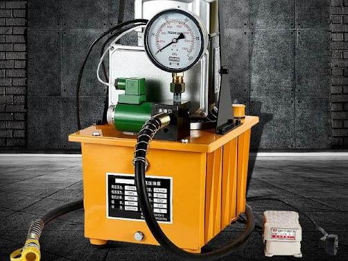 Nguyên nhân sinh nhiệt dầu do lượng dầu quá ít, không đủ để thực hiện quá trình trao đổi nhiệt với môi trường